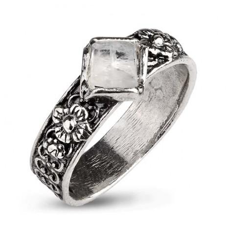 Кольцо из серебра 925 пробы с лунным камнем