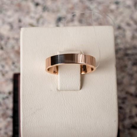 Обручальное кольцо с прямыми стенками